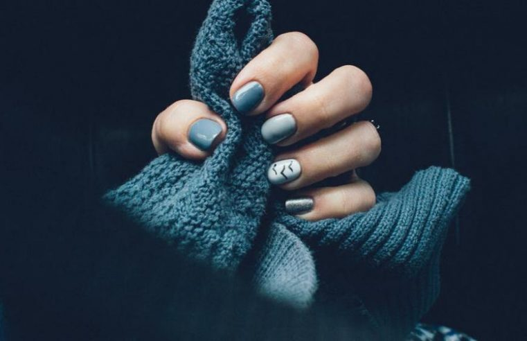 What are Solar Nails, Benefits, and effects of Solar Nails?