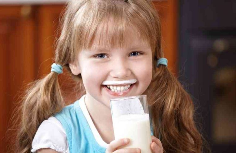 Benefits of Drinking a glass of Milk   How Milk drinking is beneficial