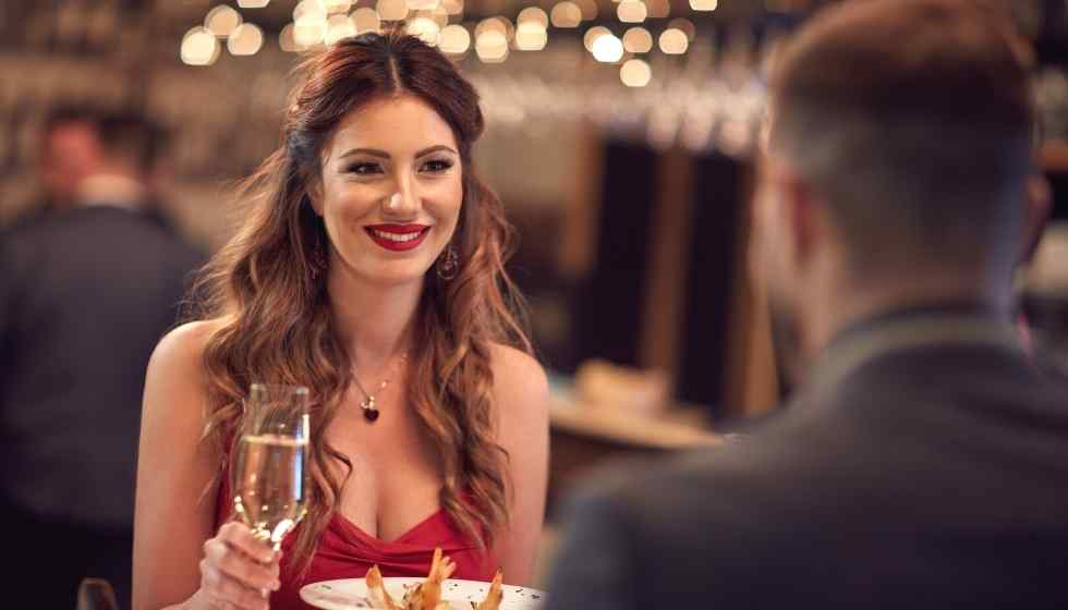Ideas to Dress Up Nicely for your First Dinner Date